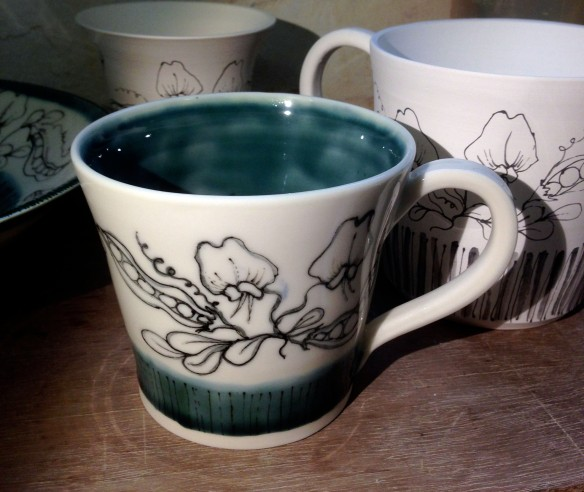 7 wild pea large mug